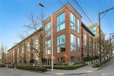 Condo/Townhouse Sold: 530 Broadway E #212