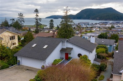 Anacortes WA Single Family Home For Sale: $689,000