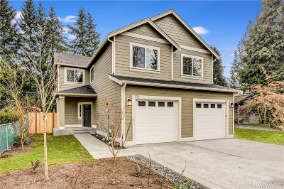Issaquah Condo/Townhouse For Sale: 220 NE Crescent Dr