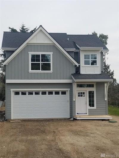 Bremerton Single Family Home For Sale: 2224 Eastview Ave NE