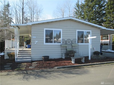 Mobile Home For Sale: 620 112th St SE #7
