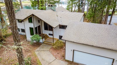 Shelton Single Family Home For Sale: 2180 E Island Lake Drive