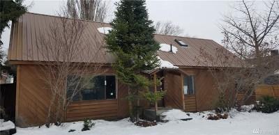 Single Family Home For Sale: 615 S Tonasket Ave