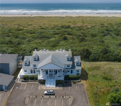 Grays Harbor County Condo/Townhouse For Sale: 855 Ocean Shores Blvd NW #105