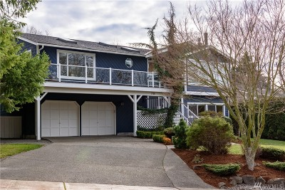 Sammamish Single Family Home For Sale: 1718 209th Place NE