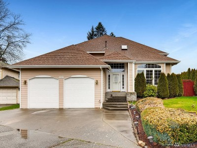 Lynnwood Single Family Home For Sale: 4925 189th St SW