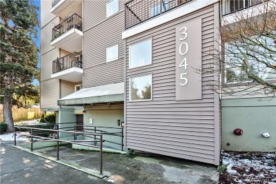 Seattle Condo/Townhouse For Sale: 3045 20th Ave W # 101