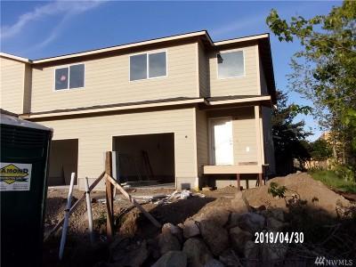 Oak Harbor Single Family Home For Sale: 40 NE Melrose Dr