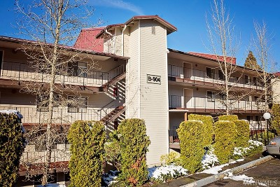 Thurston County Condo/Townhouse For Sale: 904 East Bay Dr NE #B106