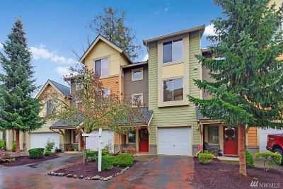 Issaquah Condo/Townhouse For Sale: 378 NW Pebble Lane