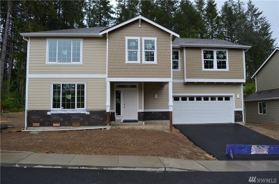 Port Orchard Single Family Home For Sale: 3707 SE Chesterton Dr