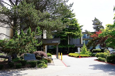 Mercer Island Condo/Townhouse For Sale: 2500 81st Ave SE #110
