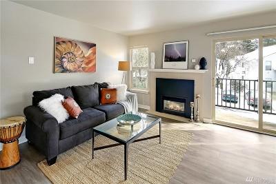 Redmond Condo/Townhouse For Sale: 9805 Avondale Rd NE #U-256