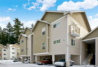 Everett Condo/Townhouse For Sale: 5809 Highway Place #A203