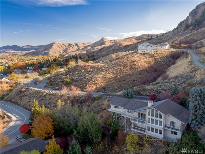 Chelan County Single Family Home For Sale: 1504 Skyline Dr