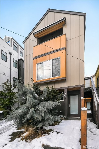 Seattle Single Family Home For Sale: 202 N 39th St