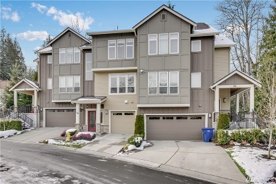 Sammamish Condo/Townhouse For Sale: 900 228th Ave NE #14B