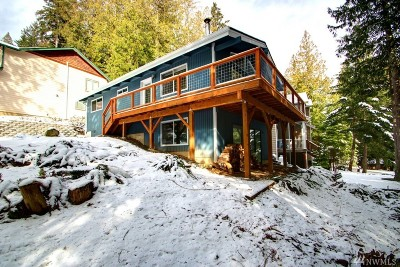 Bellingham Single Family Home For Sale: 52 Deer Run Lane