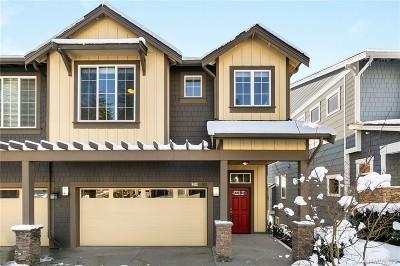 Redmond Condo/Townhouse For Sale: 8425 169th Place NE #102