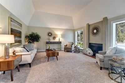 Bellevue WA Condo/Townhouse For Sale: $558,800