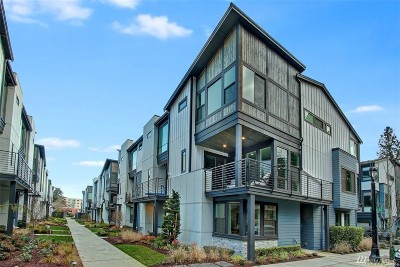 Bothell Condo/Townhouse For Sale: 9620 NE Main St #5A