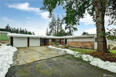 Mountlake Terrace Single Family Home For Sale: 4408 238th Place SW