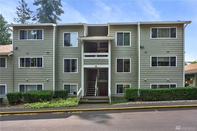 Shoreline Condo/Townhouse For Sale: 20323 19th Ave NE #A204