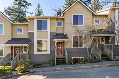 Issaquah Condo/Townhouse For Sale: 2011 NW Boulder Way Dr
