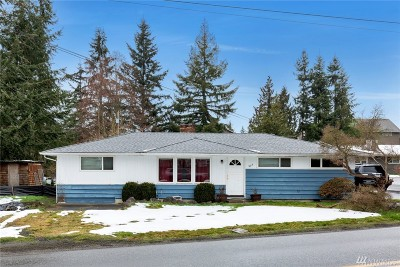 Lynnwood Single Family Home For Sale: 903 Logan Rd