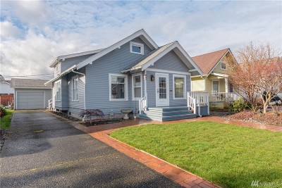 Centralia Single Family Home For Sale: 207 N Oak St