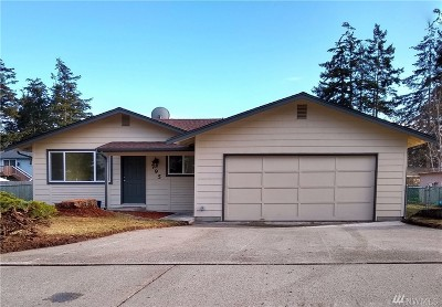 Single Family Home For Sale: 795 NW Hyak Dr
