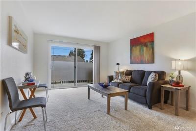Bellevue WA Condo/Townhouse For Sale: $339,995
