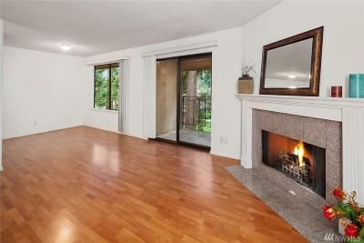 Bellevue WA Condo/Townhouse For Sale: $295,000