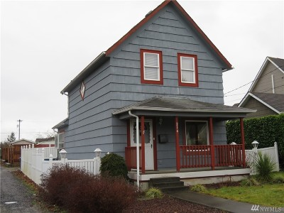Montesano Single Family Home For Sale: 214 N River St
