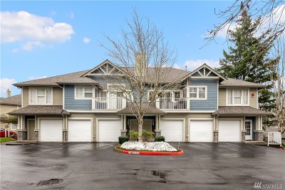 Issaquah Condo/Townhouse For Sale: 2076 Newport Wy NW #10-2