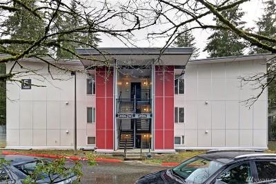 Bellevue WA Condo/Townhouse For Sale: $290,000