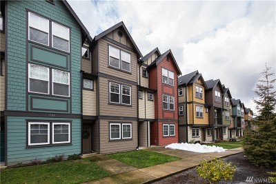 Seattle Condo/Townhouse For Sale: 7162 Shinkle Place SW #64