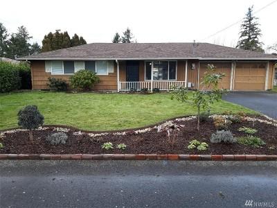 Lakewood Single Family Home For Sale: 8703 Dresden Lane