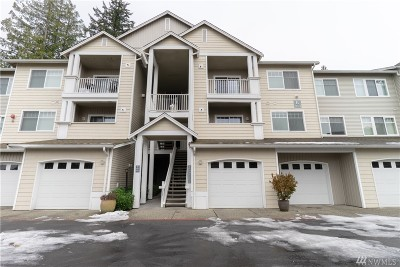 Condo/Townhouse For Sale: 14714 Admiralty Way #B208