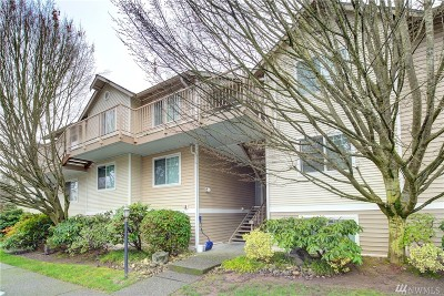Everett Condo/Townhouse For Sale: 11527 Hwy 99 #D303