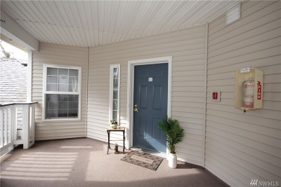 Condo/Townhouse For Sale: 12113 NE 172nd Place #J202