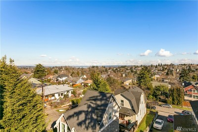 Seattle Single Family Home For Sale: 2407 E Pike St