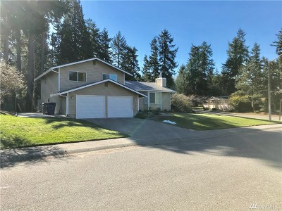 Federal Way Single Family Home Contingent: 207 S 317th Place