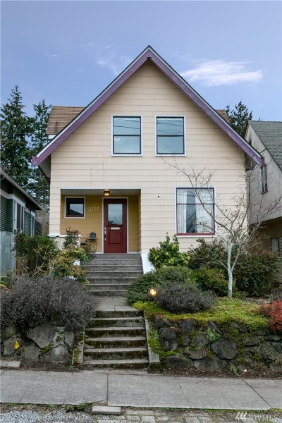 Seattle Single Family Home For Sale: 2117 3rd Ave W