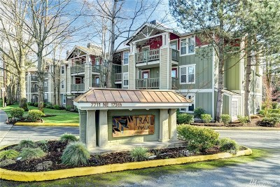 Kenmore Condo/Townhouse For Sale: 7711 NE 175th St #A301
