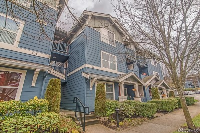 Issaquah Condo/Townhouse For Sale: 1698 25th Place NE #203