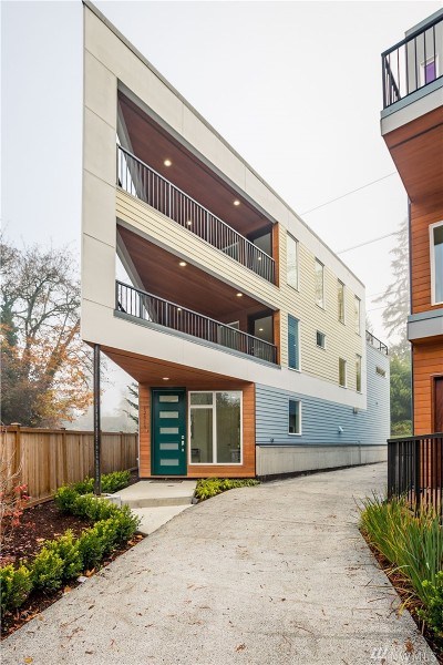 Kirkland Single Family Home For Sale: 12418 NE 111th Place