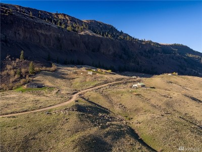 Chelan County Single Family Home For Sale: 3775 Cathedral Rock Rd