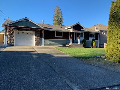 Lynnwood Single Family Home For Sale: 703 Bing Rd #A