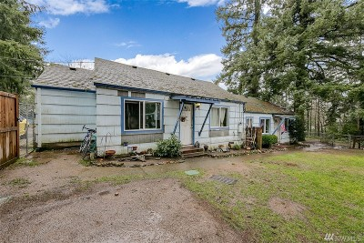 Bremerton Multi Family Home For Sale: 4107 NW Phinney Bay Dr